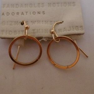 ANTHROPOLOGIE SIMPLE DROP POLISHED GOLD HOOP NWT